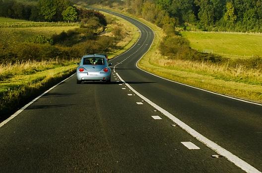 איך נהג צעיר חוסך למשפחה עד 40 אחוזים במחיר של ביטוח רכב - AIG Safe Drive