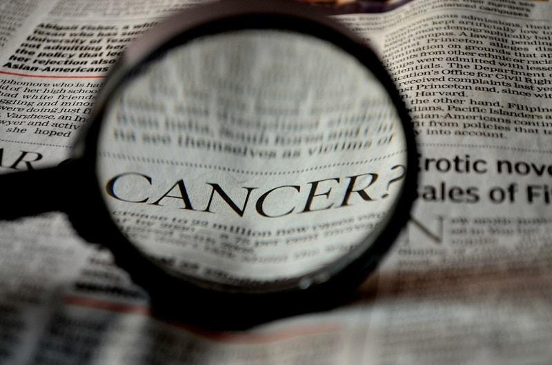 כותרת עיתון - גילוי מחלת הסרטן
