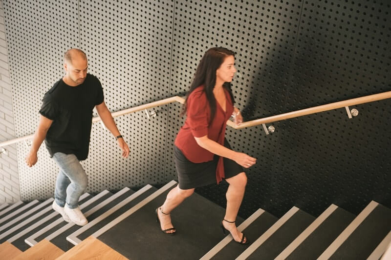 אנישם עולים במדרגות - פעילות גופנית זה לא רק ספורט