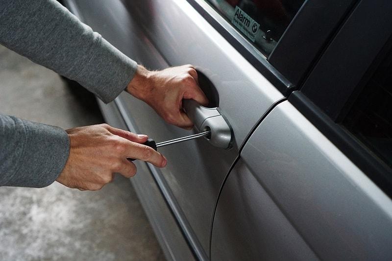 פריצה לרכב – מיגון לרכב מפני גניבה