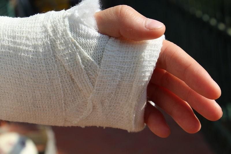 יד חבושה – השוואת מחירי ביטוח תאונות אישיות