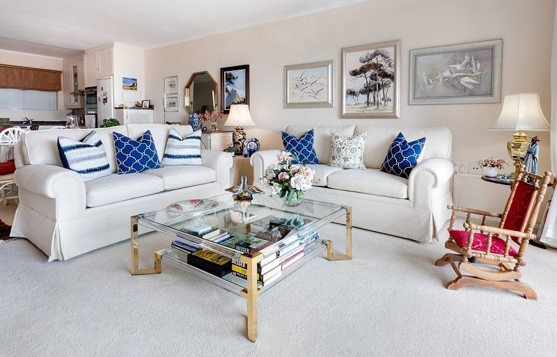 סלון דירה מעוצב – ערך כינון בביטוח דירה ומשכנתא